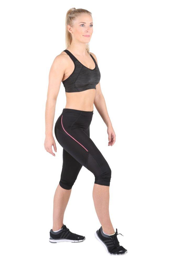 Fitness-Trampolin-Trainerin-oberschenkel