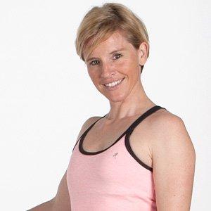 jasmin-fitnesstrainerin-crossjump
